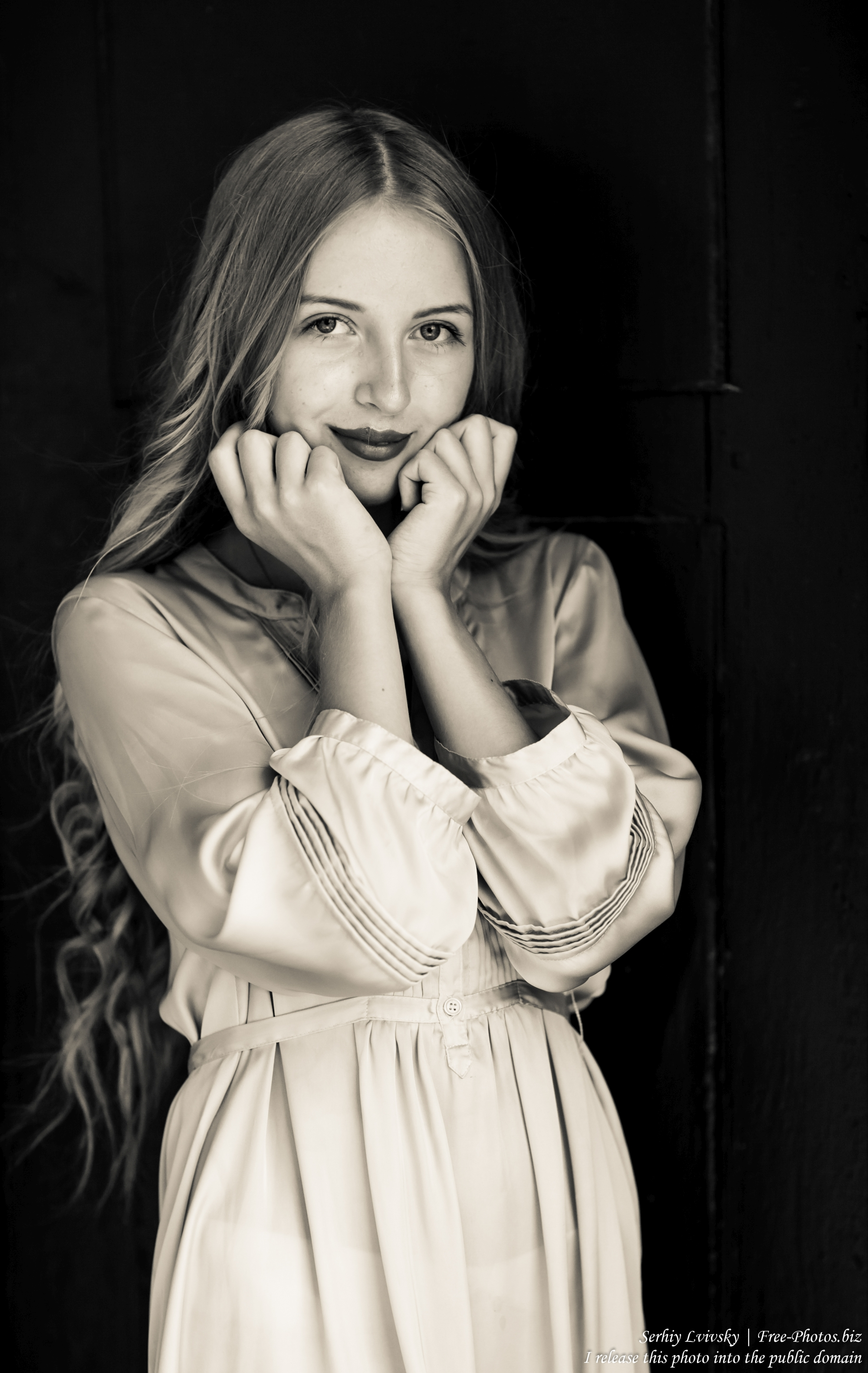 ania_a_14-year-old_natural_blonde_girl_photographed_by_serhiy_lvivsky_in_august_2017_18