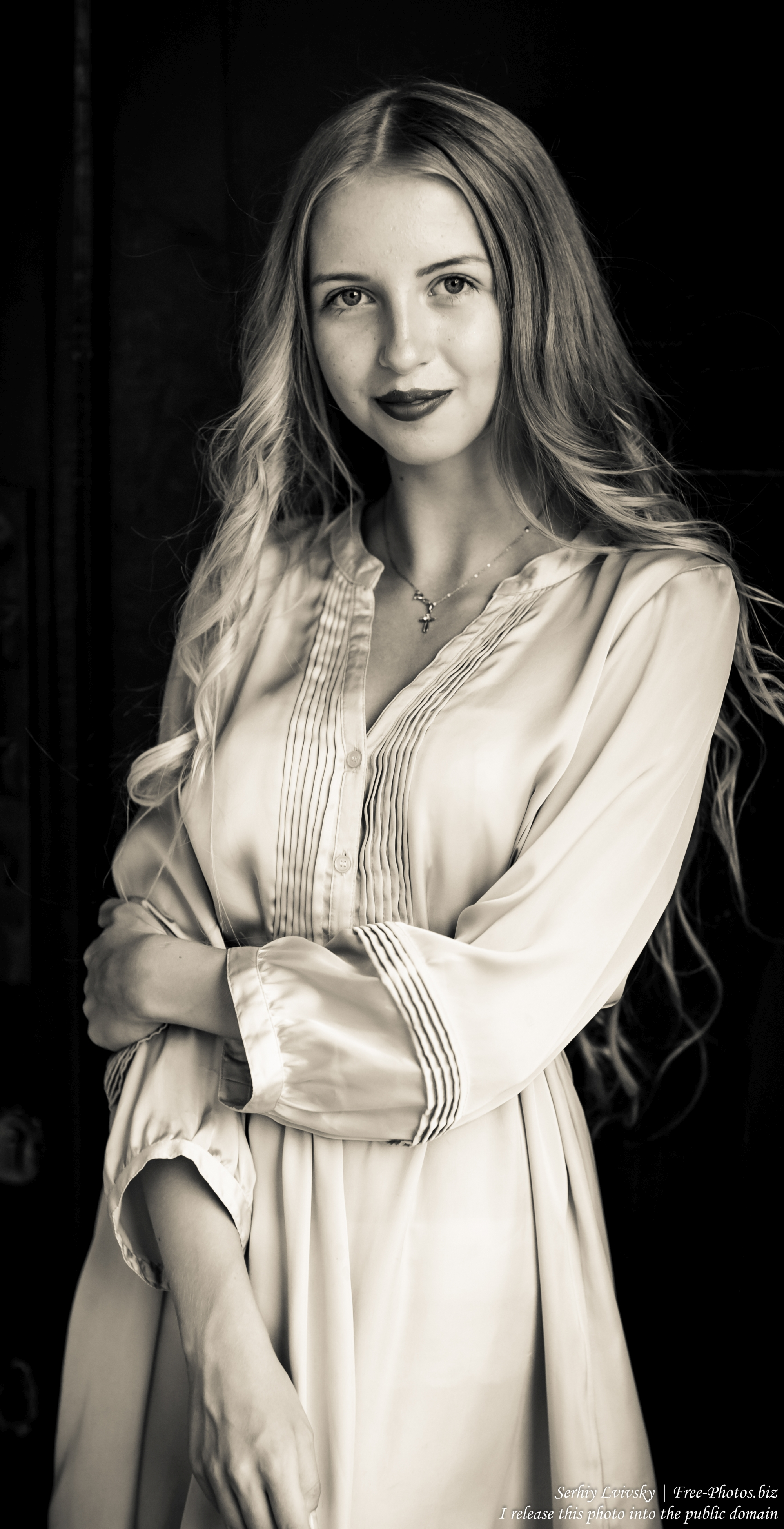 ania_a_14-year-old_natural_blonde_girl_photographed_by_serhiy_lvivsky_in_august_2017_24