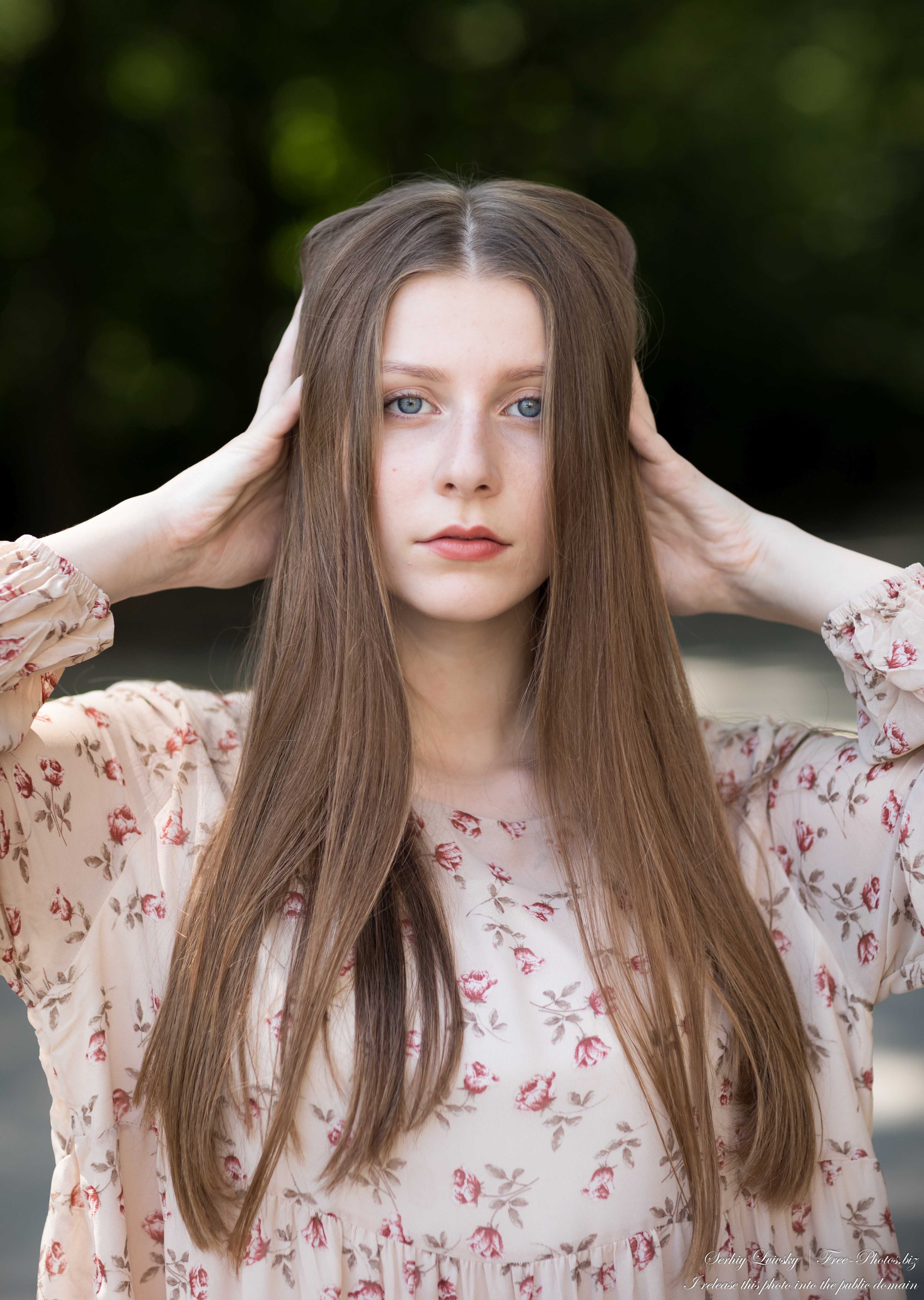 inna_an_18-year-old_natural_fair-haired_girl_photographed_in_july_2020_13