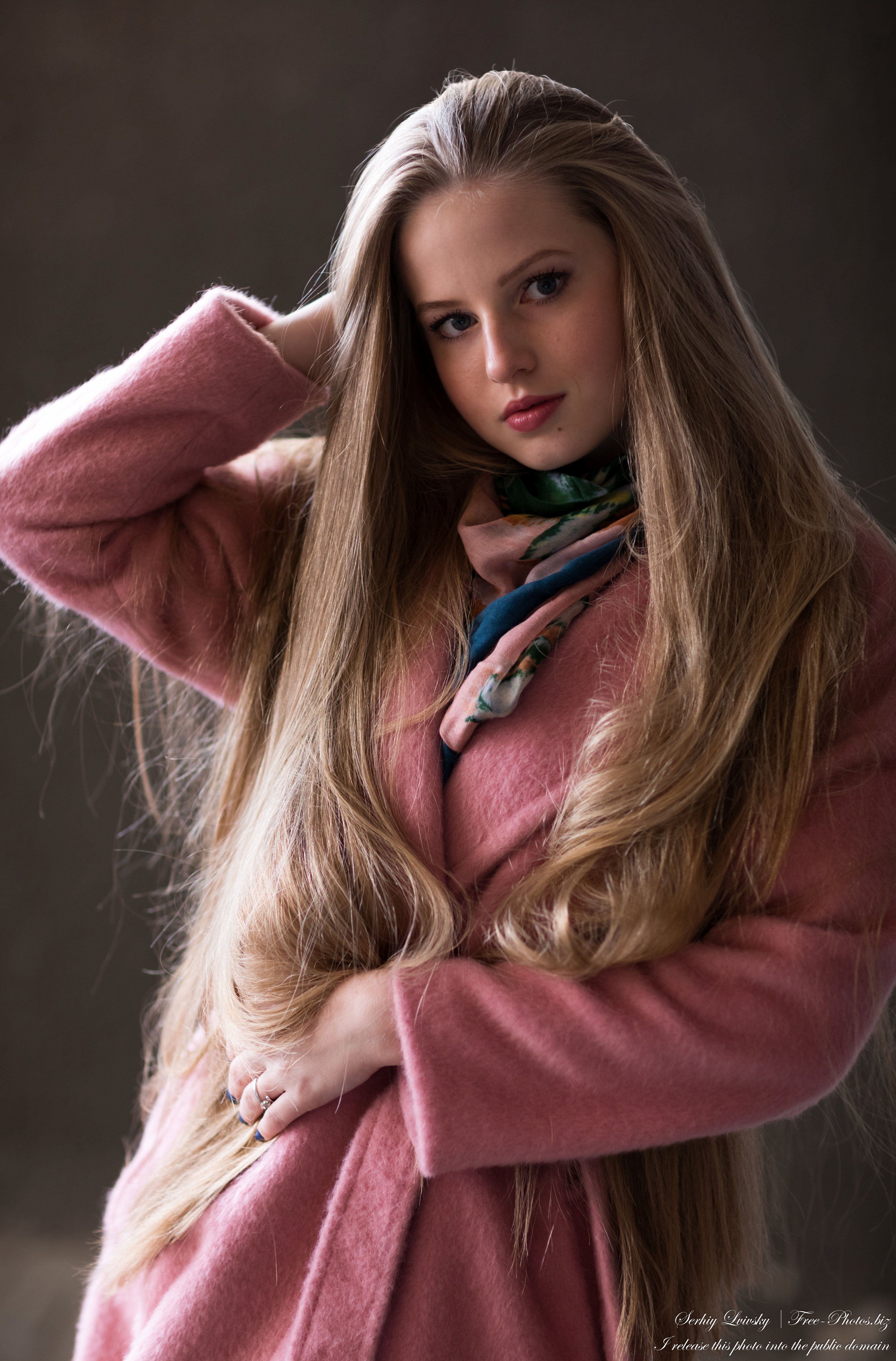 diana_an_18-year-old_natural_blonde_girl_photographed_in_oct_2020_by_serhiy_lvivsky_14