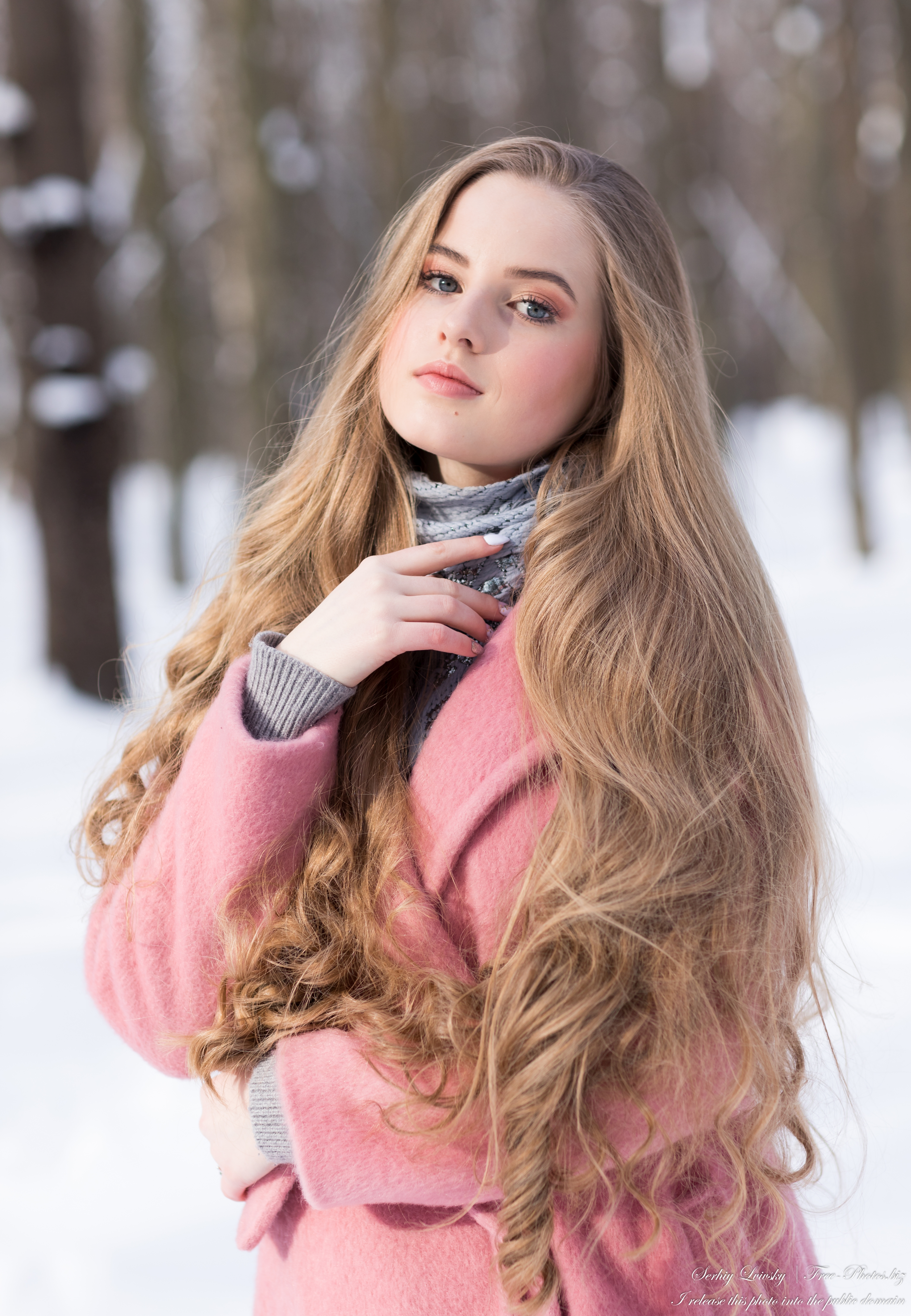diana_an_18-year-old_natural_blonde_girl_photographed_by_serhiy_lvivsky_in_feb_2021_05