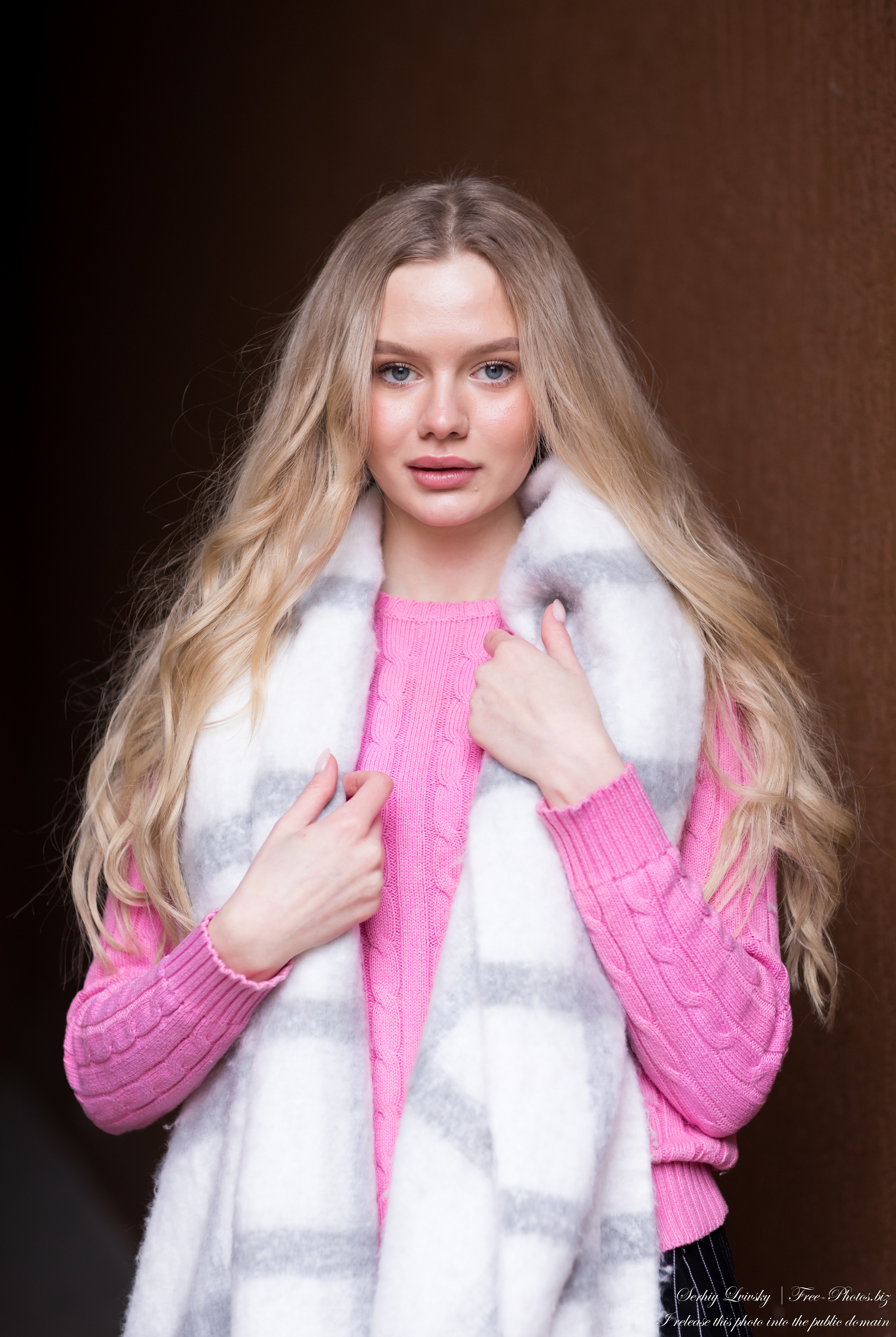 oksana_a_19-year-old_natural_blonde_girl_photographed_by_serhiy_lvivsky_in_march_2021_16