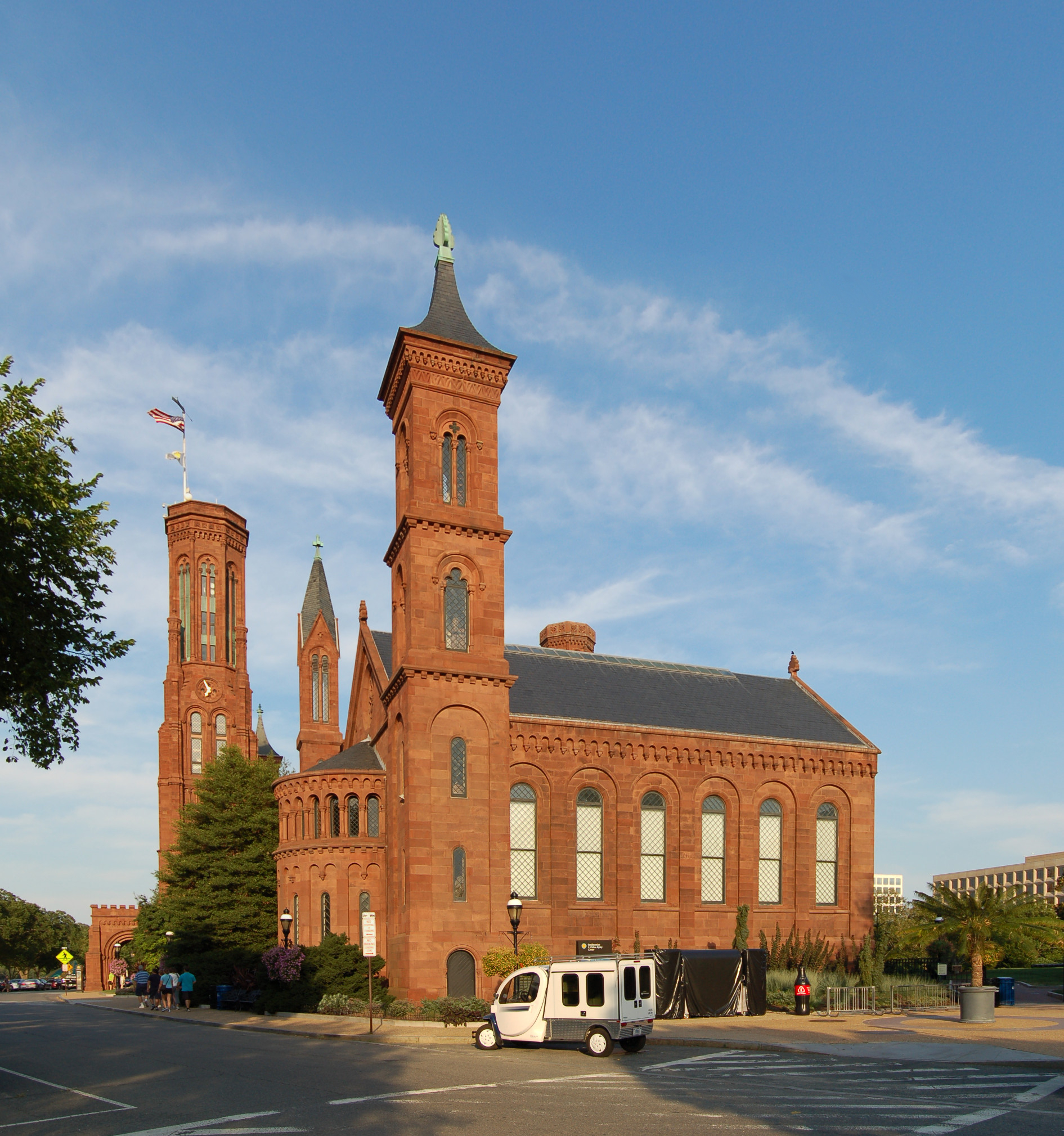 12072012 Smithsonian Building 01