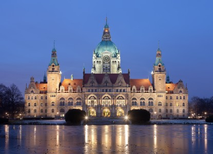 Neues Rathaus Hannover abends