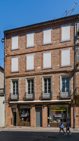 Building at 26 rue Mariès in Albi