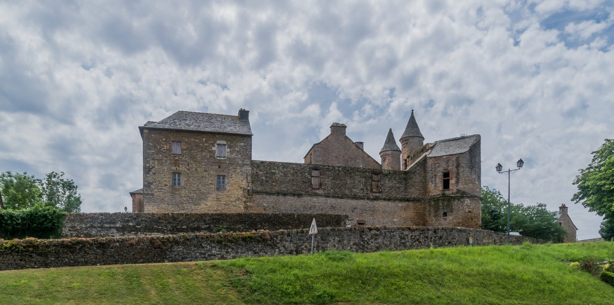 Castle of Onet-le-Chateau 14