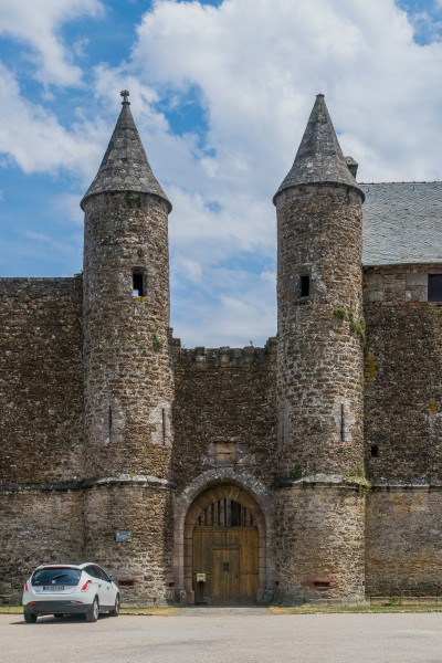 Castle of Onet-le-Chateau 21