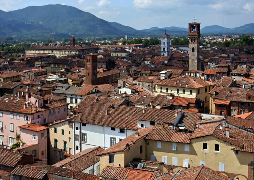 02 Lucca seen from Torre Guinigi