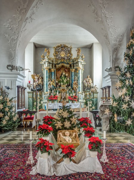 Amlingstadt-church-chancel-HDR