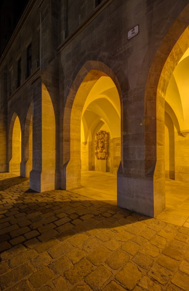 AT 46784 Minoritenkirche, Arcades with Epitaphs-41