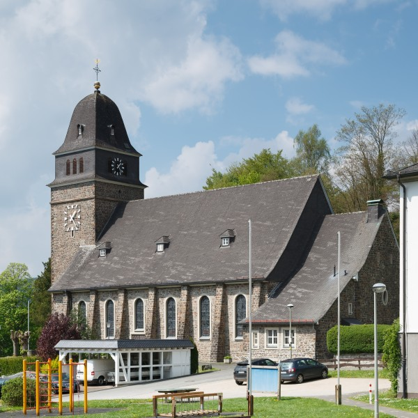 Bamenohl Germany Catholic-Church-St-Joseph-02