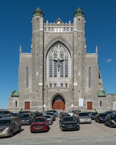 Cathédrale St-Michel, Sherbrooke, Southwest view 20170414 1