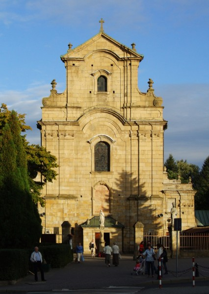 Church of the Capucine Friars in Krosno (by Pudelek)