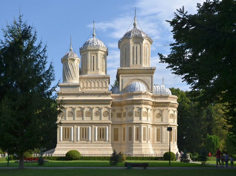 Church of the Dormition, Argeș monastery (by Pudelek) 01