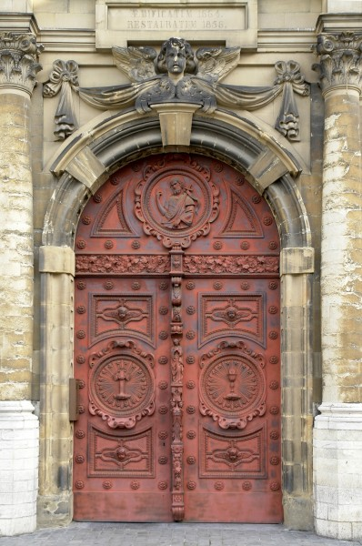 Church Saint-Jean-Baptiste au Beguinage, main gate