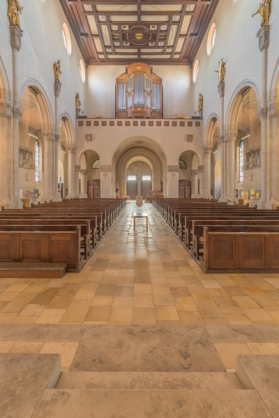 Herz-Jesu-Kirche (Augsburg) - view towards the main entrance and pipe organ (HDRI)
