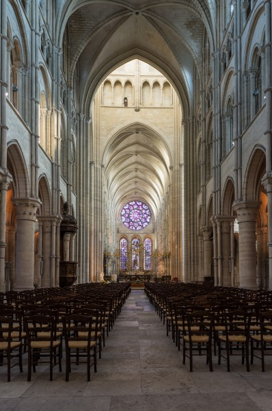 Laon Cathedral Interior 01