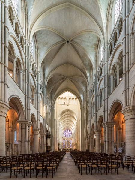 Laon Cathedral Interior 02