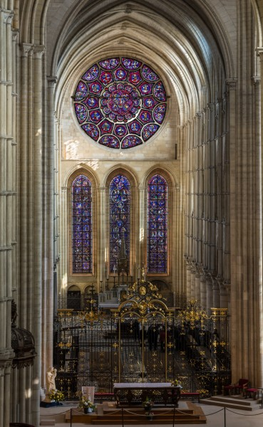 Laon Cathedral Interior 03