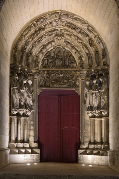 Laon Cathedral Left Side Portal (Night) 01