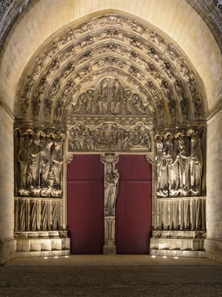 Laon Cathedral Main Portal (Night) 01