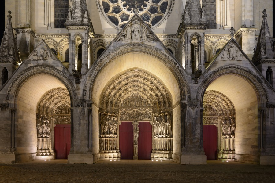 Laon Cathedral Portals (Night) 01