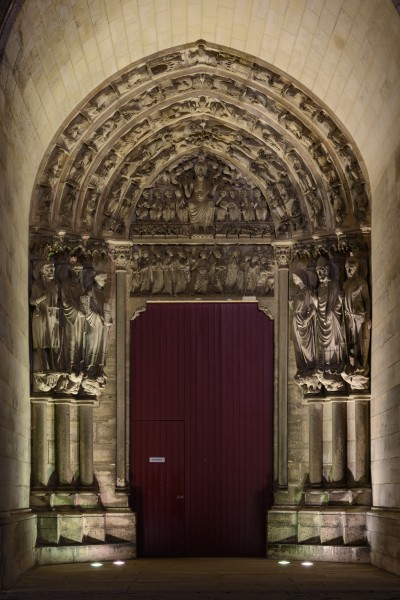 Laon Cathedral Right Side Portal (Night) 01