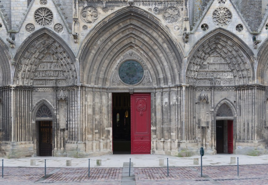 Main entrance cathedral Bayeux