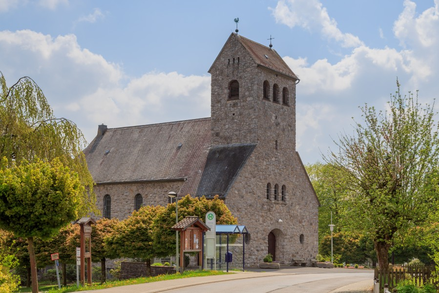 Ostentrop Germany Catholic-Church-St-Lucia-02