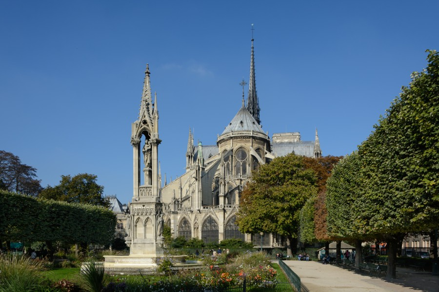 Paris Notre-Dame East View 02