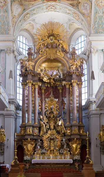 Peterskirche Munich - St Peter's Church Altar