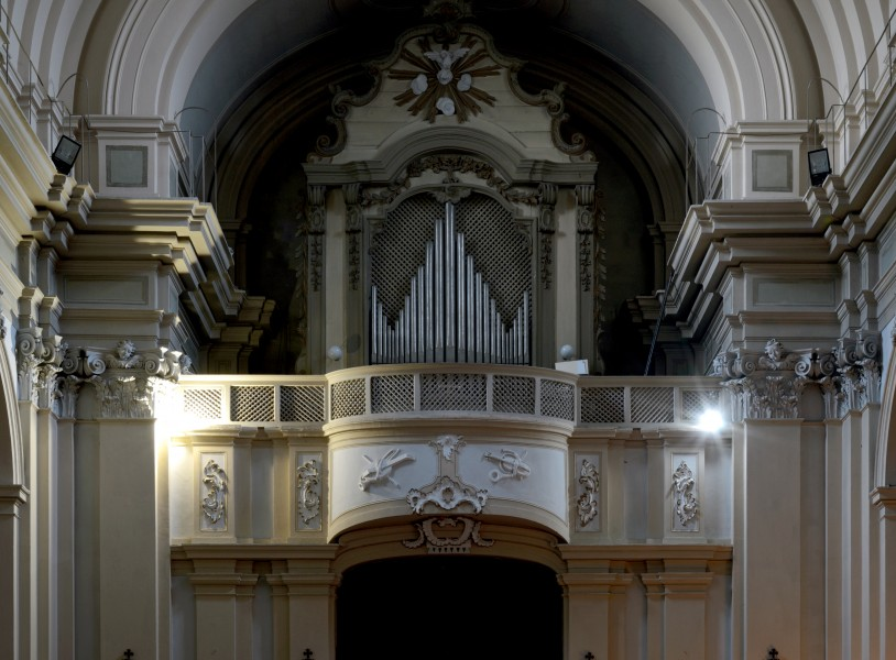 Pipe organ in St. Francis in Amelia