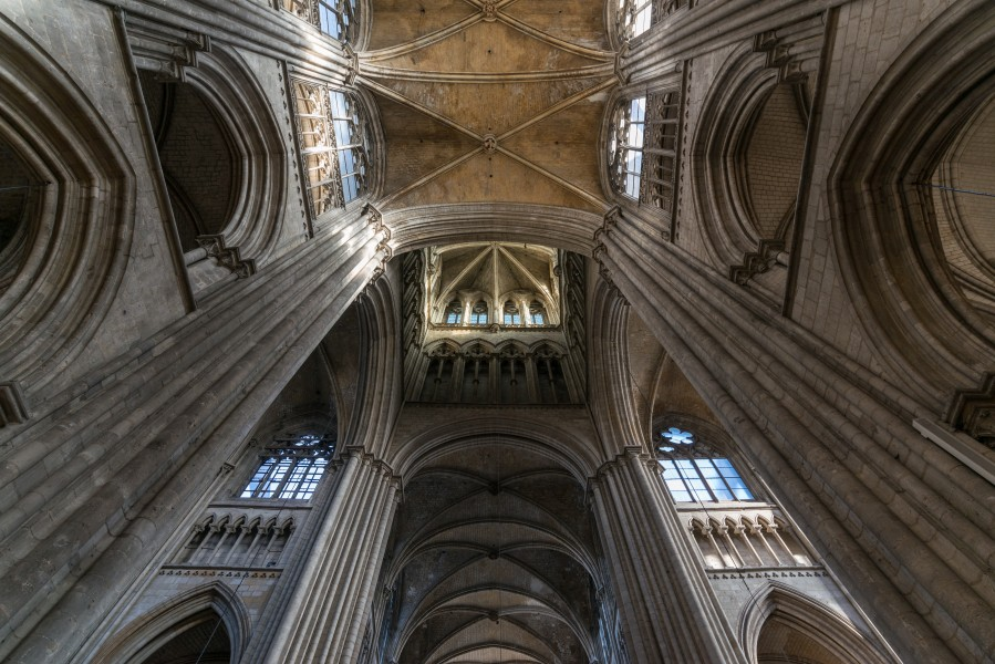 Rouen Cathedral, View up the transept and tower 20140215 1