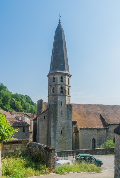Saint John the Baptist Church in Caylus 01