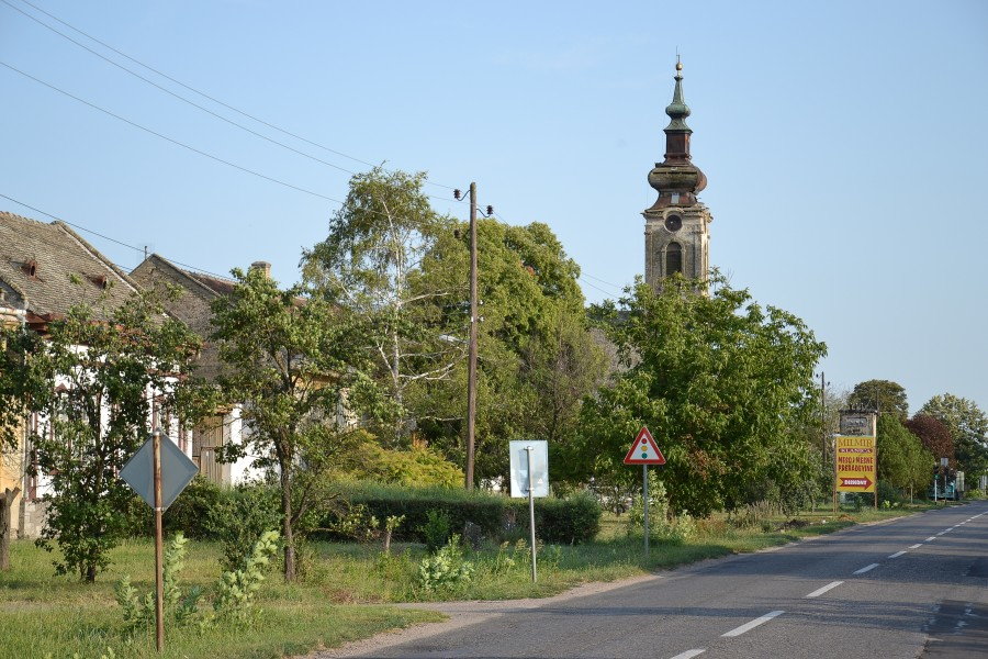 Sivac (Szivác, Siwatz) - main street and Calvinist church