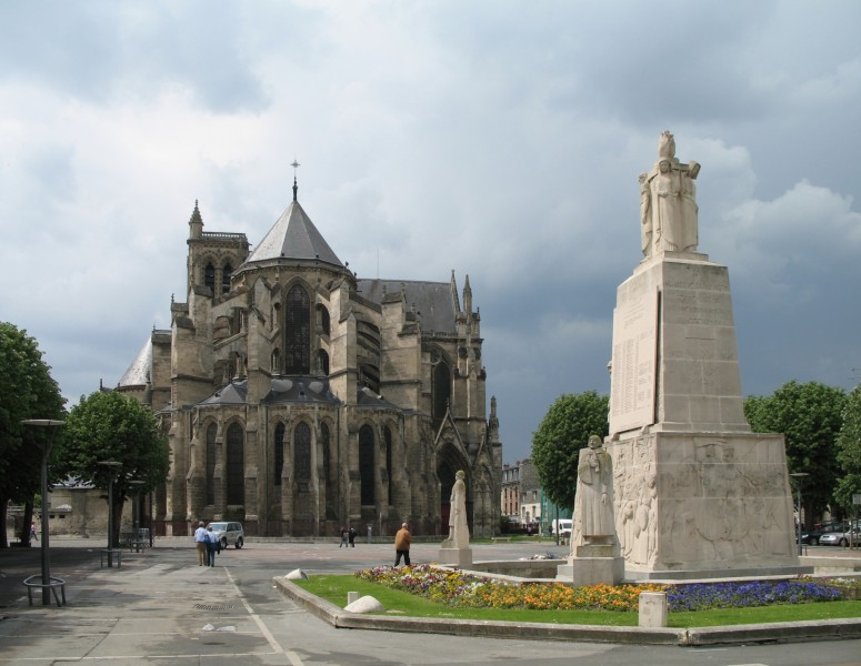 Soissons Monument aux Morts