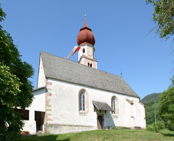 St. Oswald Kirche in Kastelruth Südseite