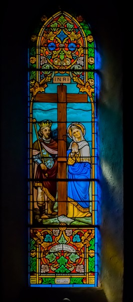 Stained glass window in the Saint Felix Church in Laissac 01