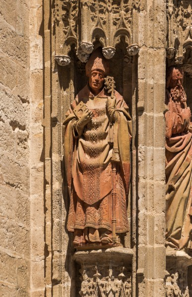 Statue Bishop cathedral Sevilla
