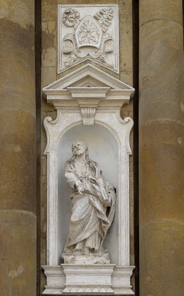 Statue of Philip the Apostle on church of San Pietro Apostolo (Frascati)