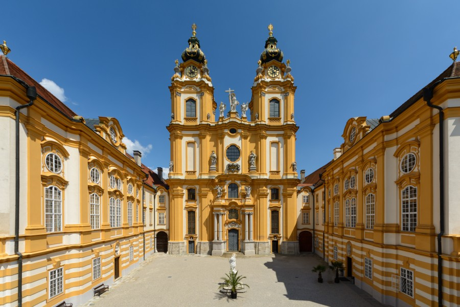 Stift Melk Kolomanihof 01
