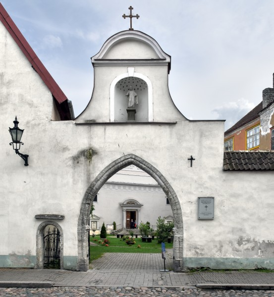 Tallinn St Peter and St Paul's Cathedral - street view 2015