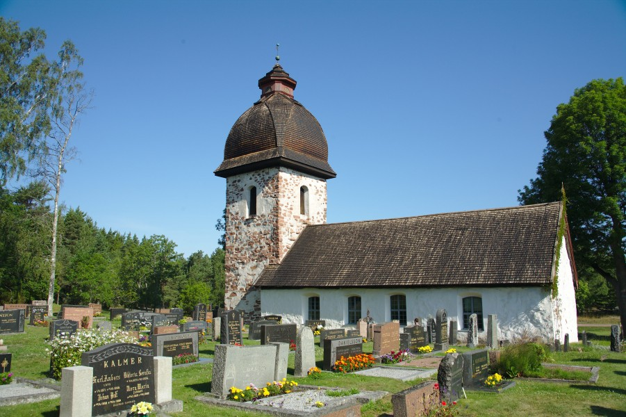 Vårdö church and cemetry