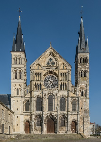 West Façade of Basilique Saint-Rémi, Reims 140306 1