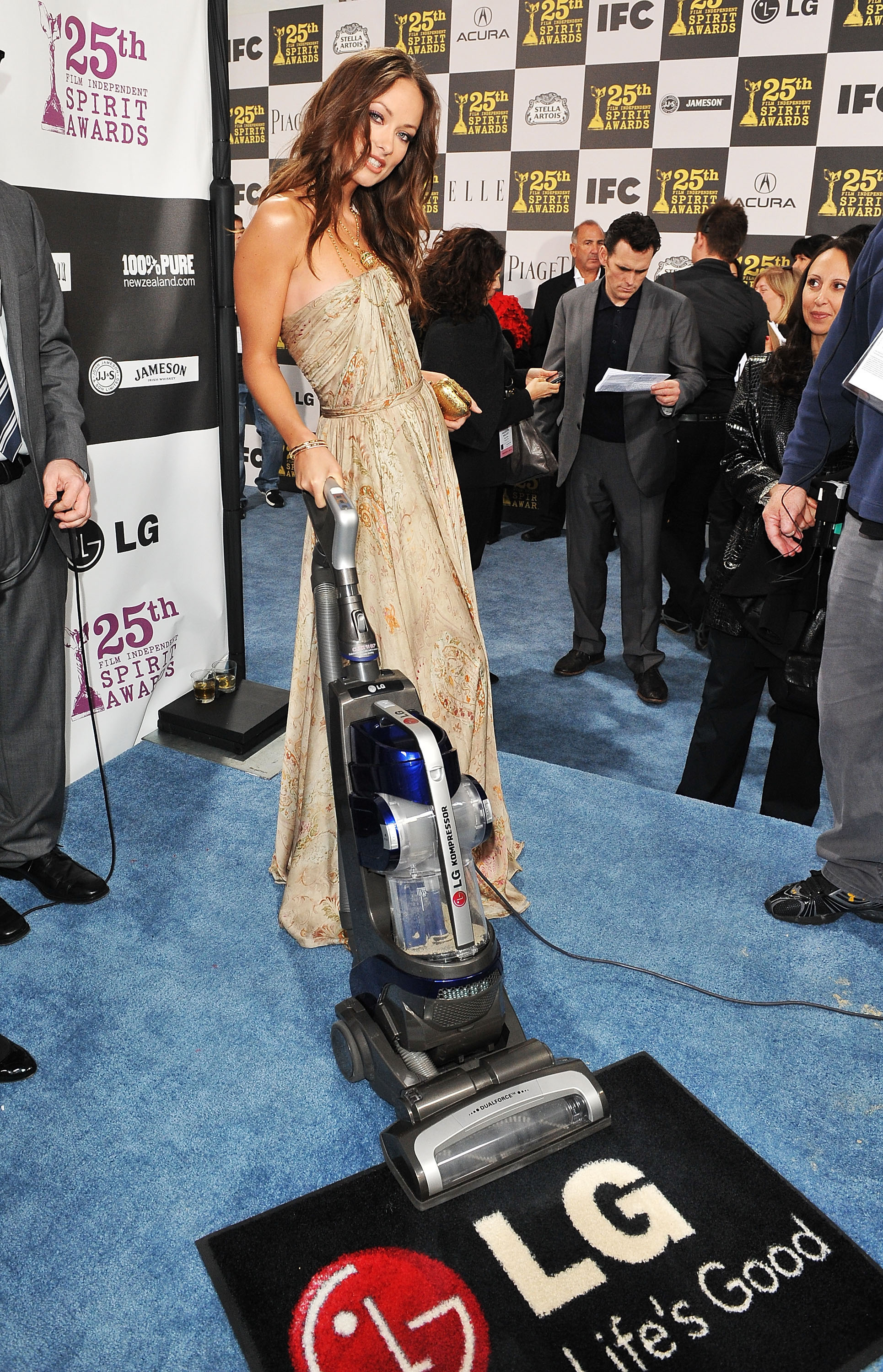 Olivia Wilde with the LG Electronics Kompressor Vacuum on 25th Spirit Awards Blue Carpet held at Nokia Theatre L.A. Live on March 5, 2010 in LA