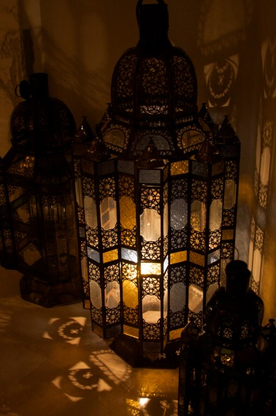 Djerba-lantern, colored shadows-katinalynn