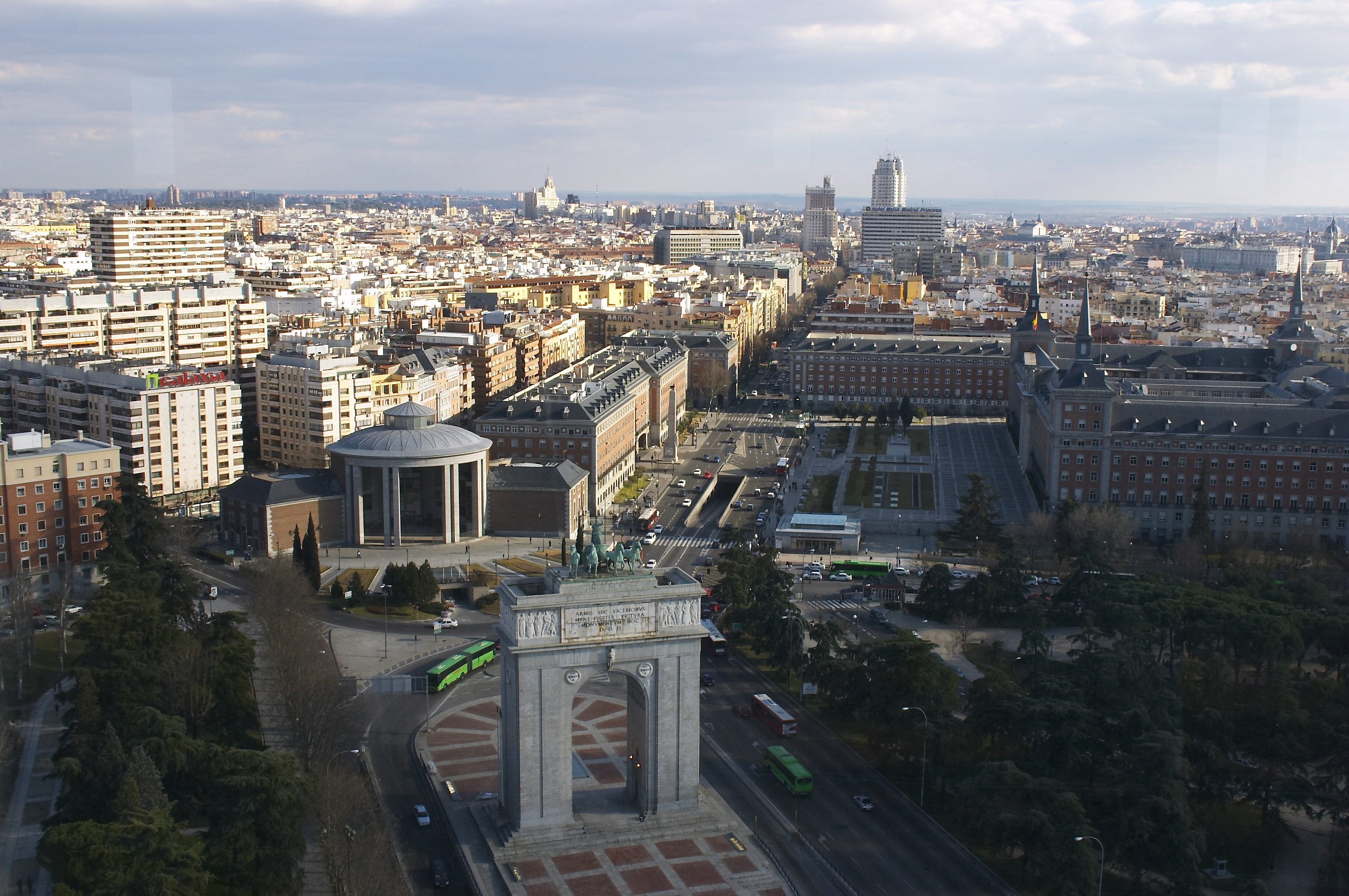 Madrid - Plaza de Moncloa - 20050220