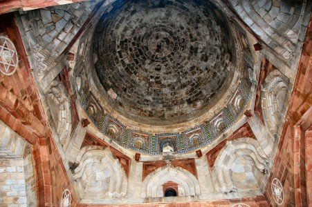Inside the dome of Qila-i-Kuna Mosque, Purana Qila