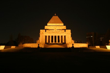 Melbourne Shrine of Remembrance night