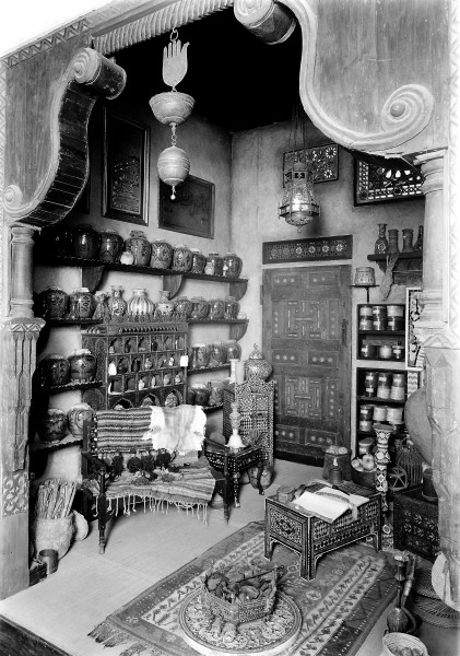 An Arab pharmacy in Damascus, the interior Wellcome M0006341